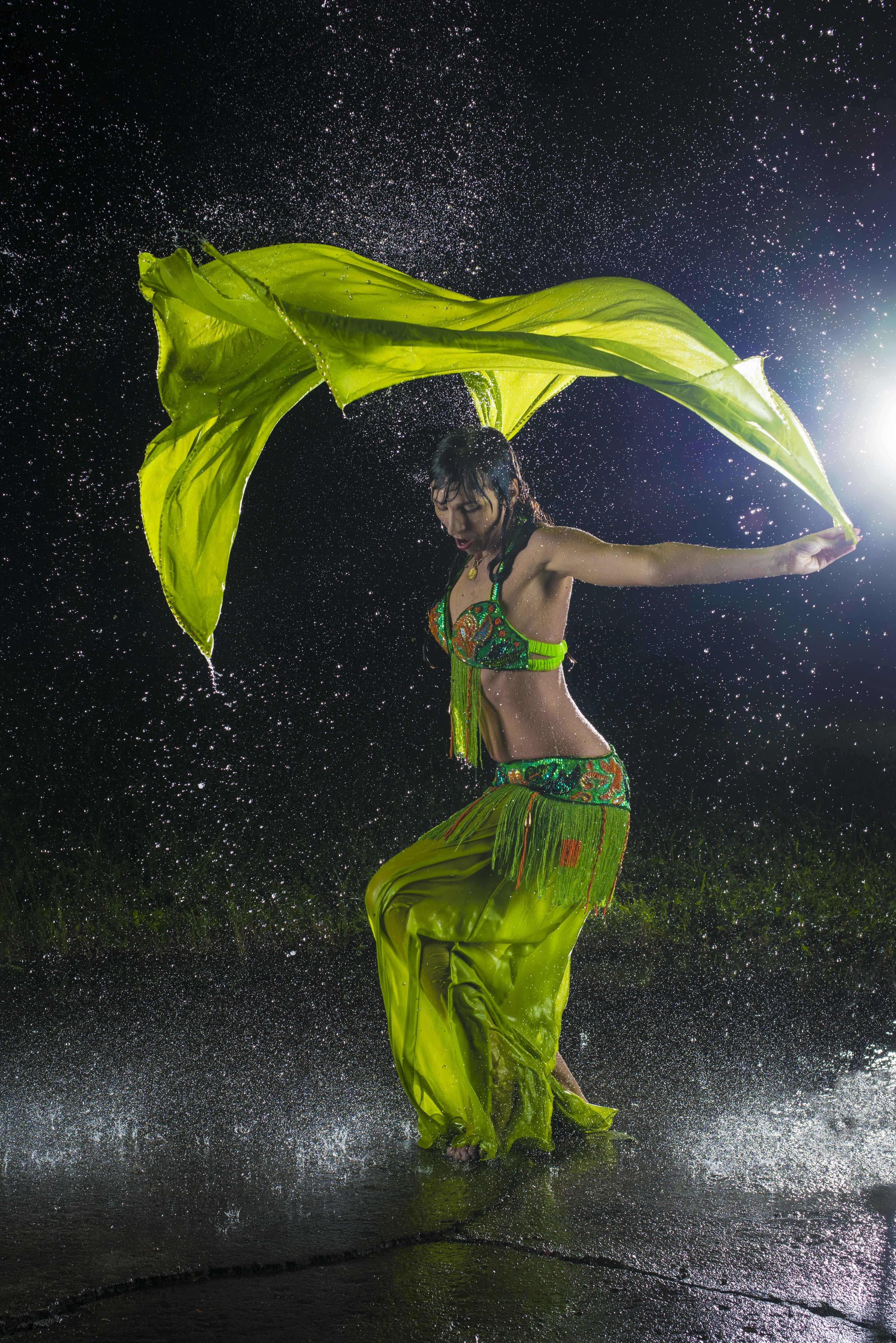 Jillanna Babb dancing in the rain. Mark Kocher Photography